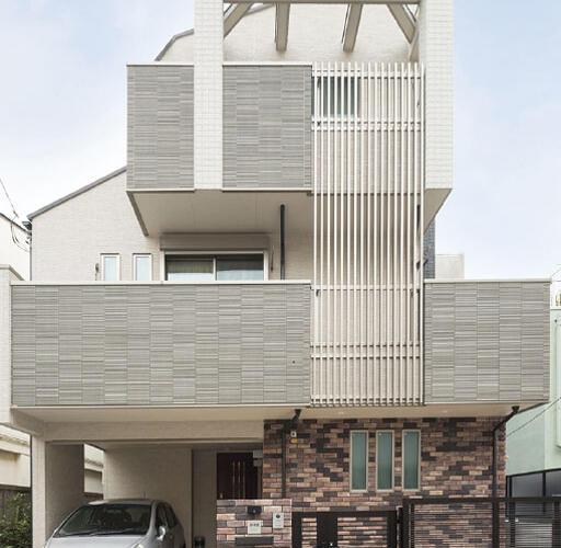 【施工事例を追加しました】スタイリッシュなスケルトン階段がある家